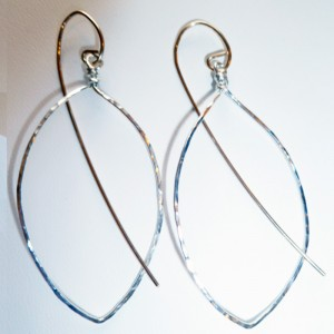 Metal Feather Earrings - Single