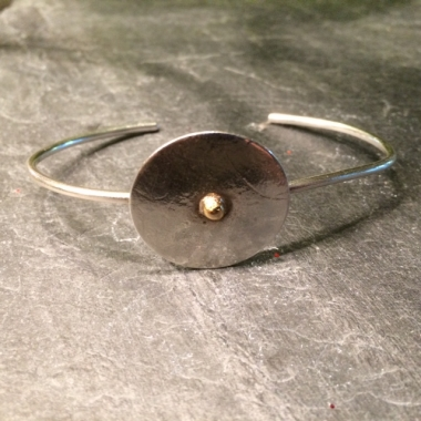 Pebble Disc Bracelet