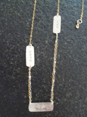 Perfect Mom Necklace - Trois